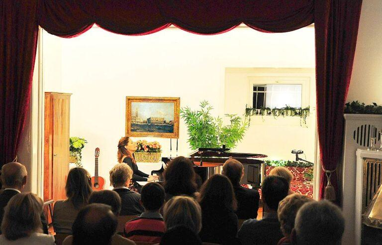 Edith Pena - Bilder aus Konzertsaal
